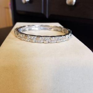 Lia Sophia Jewelry - NWOT STRETCH SILVER BANGLE BRACELET CUT CRYSTALS